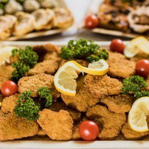 Die Schnitzelplatte von Fresh&Joy ist optimal für Ihre Veranstaltung geeignet!