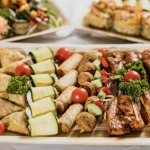 Die Orientalische Platte von Fresh&Joy als Abwechslung für Ihr Buffet